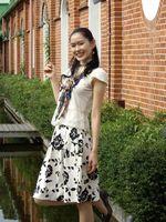 可以直接選擇看實際大小.或選擇more可以看到更多照片資訊.http://www.fuji.com.tw數位蘋果網